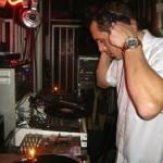 Bei uns gibt es auschließlich professionelle DJs für Ihre Feier