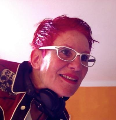 DJ Elly Ihre Spezialistin für Vocal House und Nu Disco