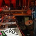 DJ Mociani mit Live Percussion