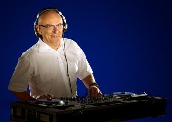 Feiern Sie mit DJ Rudi