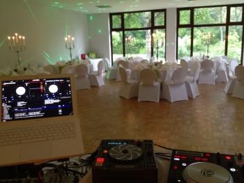 Professionelles Equipment für Ihre Feier - DJ Vermittlung