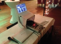 Ein dezenter Aufbau für Ihre Hochzeitsfeier - DJ Düsseldorf