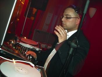 DJ Arkin aus Berlin - Türkischer DJ - DJ Team Ost