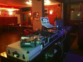 Wir bringen die Party in jede Location - DJ Party