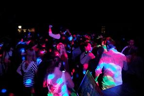 Tanzen Sie durch unsere Verlängerungsoption solange Sie möchten - DJ Jena