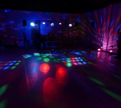 Feiern Sie Ihr Event mit professioneller Lichtechnik