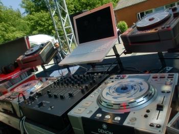 DJ Saarland - Professionelles Equipment für Ihre Feier im Saarland