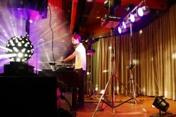 Ein Lichtkonzept von Ihrem DJ Service © by DJ Thomas
