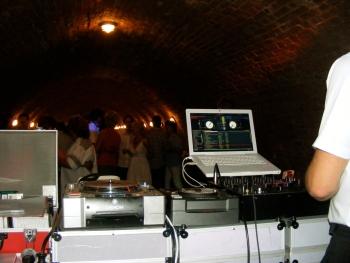 ...mit einem DJ von DJ-Broker - DJ Party